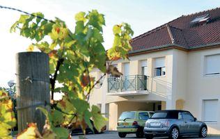 Dijon - Park&Suites Dijon Ahuy à FONTAINE LES DIJON