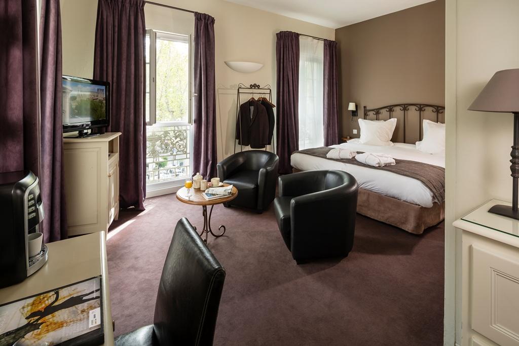 HOTEL DE L'HORLOGE AVIGNON à AVIGNON