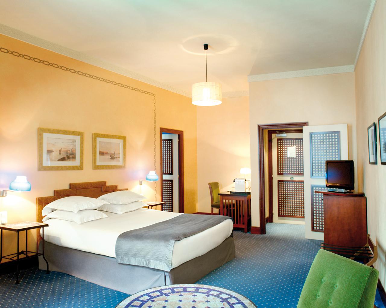 Pilgo marseille new hotel vieux port marseille - New hotel vieux port marseille booking com ...