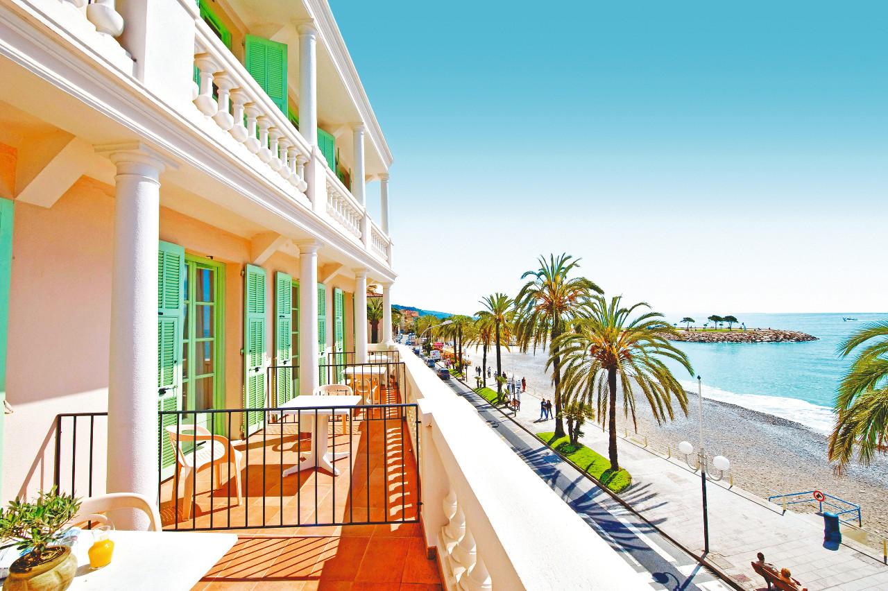 Hôtel vacances bleues - le balmoral à menton à