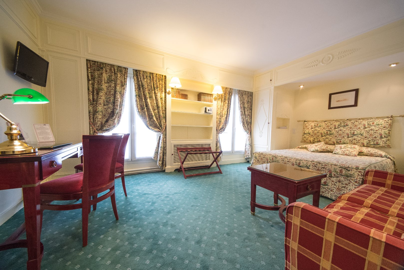 Best Available Rate Bed and Breakfast, includes complimentary WIFI in entire areas of the hotel