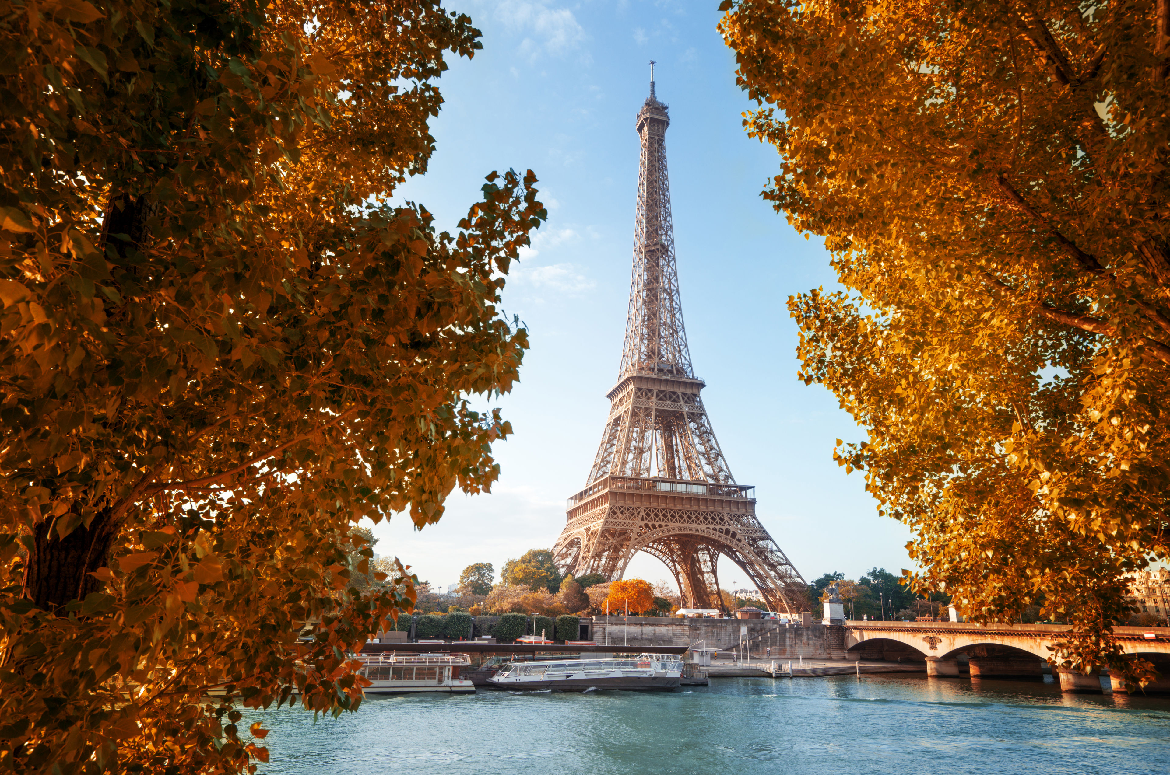 Enjoy the Autumn in Paris and have 20% discount