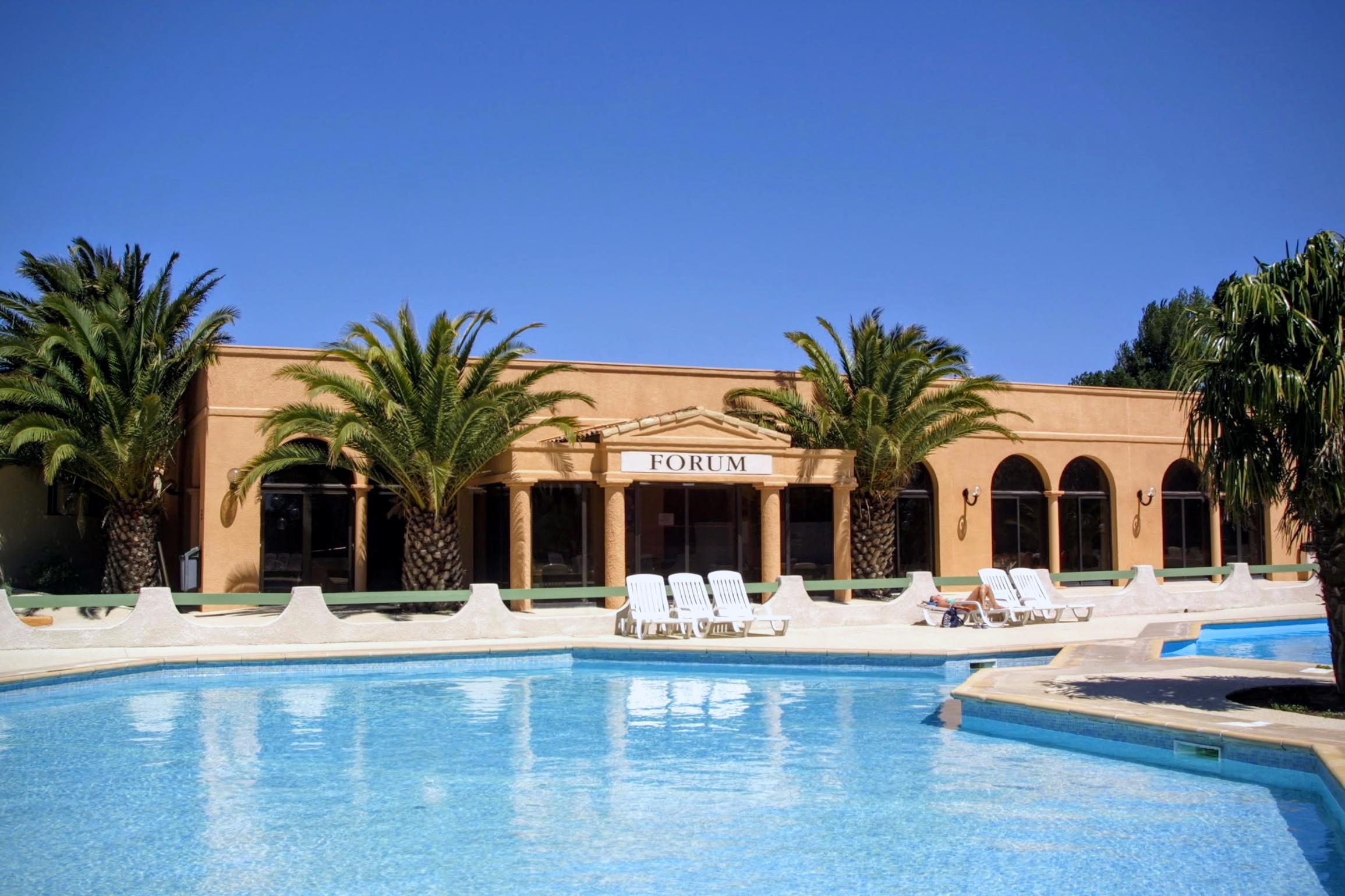 Hôtel club résidence les amandiers à Arles
